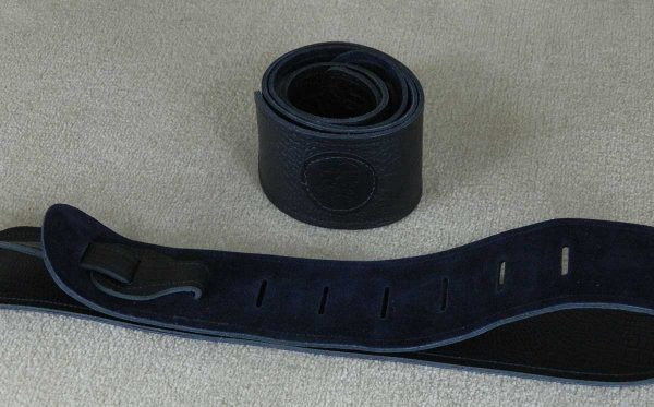 Lisset Black leather guitar strap